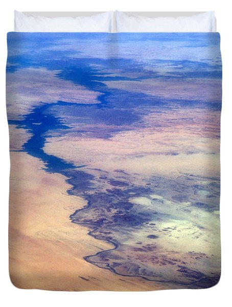 Duvet Cover featuring the photograph Nile River From The Iss by Science Source