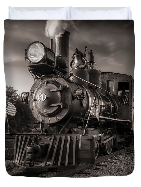 Number 4 Narrow Gauge Railroad Duvet Cover by Bob Orsillo