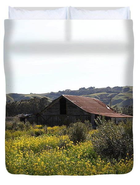 Old Barn In Sonoma California 5d22234 Duvet Cover by Wingsdomain Art and Photography