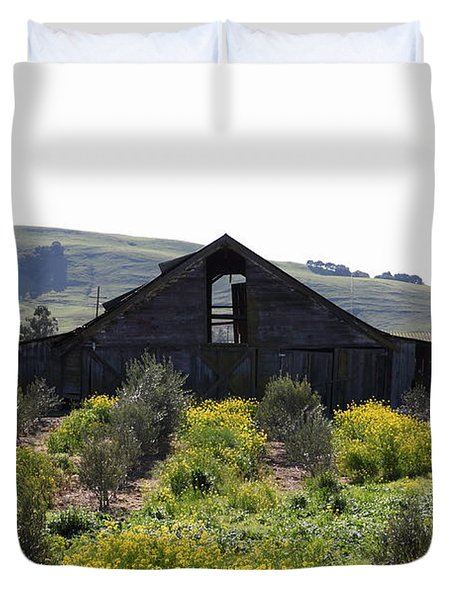 Old Barn in Sonoma California 5D22235 Duvet Cover by Wingsdomain Art and Photography