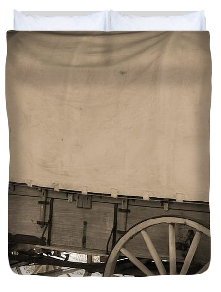 Old Covered Wagon Out West Duvet Cover by Dan Sproul