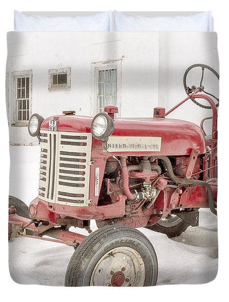 Old Red Tractor in the snow Duvet Cover by Edward Fielding