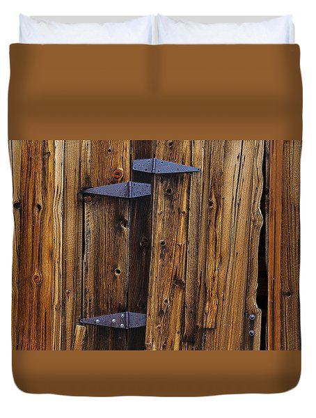 Old Wood Barn Duvet Cover by Garry Gay