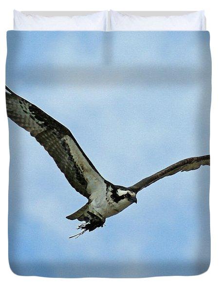 Osprey Nest Building Duvet Cover by Ernie Echols