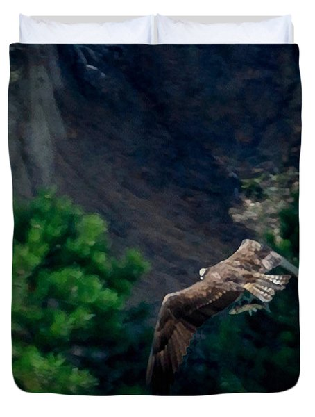 Osprey With Fish Duvet Cover by Ernie Echols