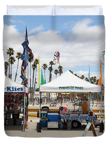 Pacific Coast Kites And Paradise Dogs On The Municipal Wharf At The Santa Cruz Beach Boardwalk Calif Duvet Cover by Wingsdomain Art and Photography