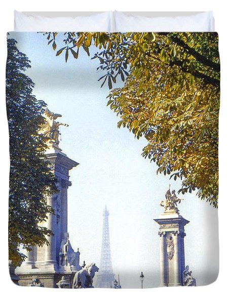 Paris in the Fall 1954 Duvet Cover by Chuck Staley
