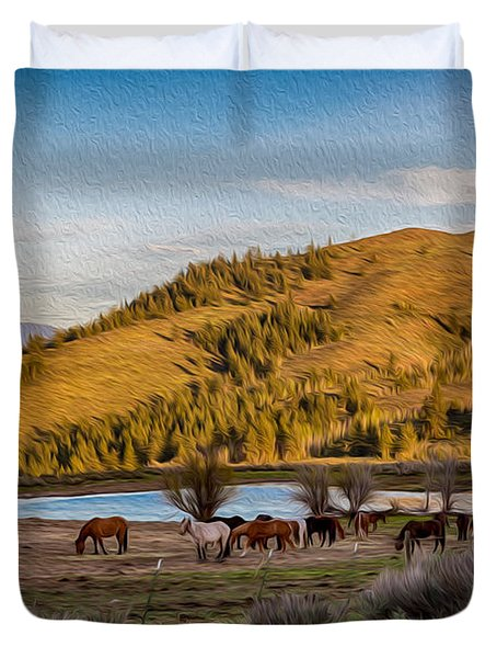Patterson Mountain Afternoon View Duvet Cover by Omaste Witkowski