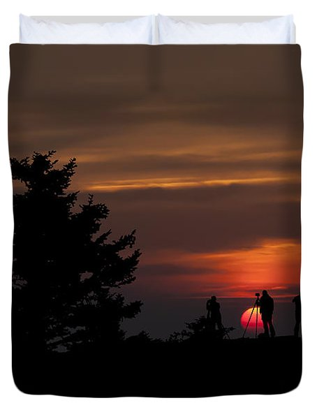 Photographers Shooting Sunrise At Bear Rocks Duvet Cover by Dan Friend