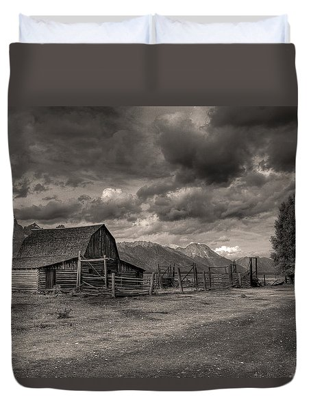 Pioneer Barn D9369 Duvet Cover by Wes and Dotty Weber