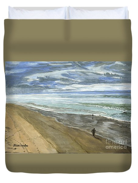 Playing On The Oregon Coast Duvet Cover by Ian Donley