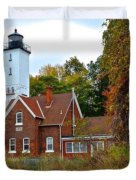 Presque Isle Lighthouse Duvet Cover by Frozen in Time Fine Art Photography