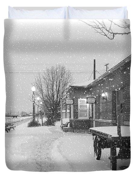 Prosser Winter Train Station  Duvet Cover by Carol Groenen