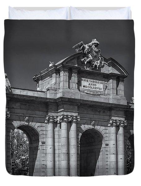 Puerta De Alcala Duvet Cover by Susan Candelario