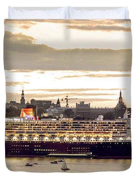 Queen Mary II Cruise Ship, Chateau Duvet Cover by Jean Desy