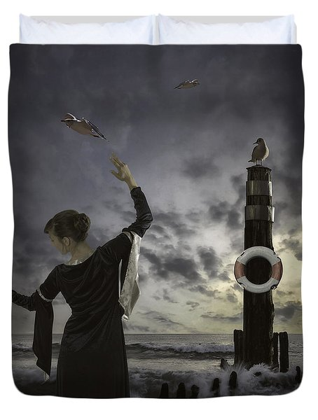Queen Of The Seagulls Duvet Cover by Joana Kruse