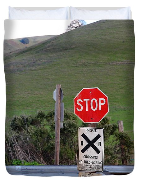 Rail Road Crossing Sign At Fernandez Ranch California - 5d21125 Duvet Cover by Wingsdomain Art and Photography