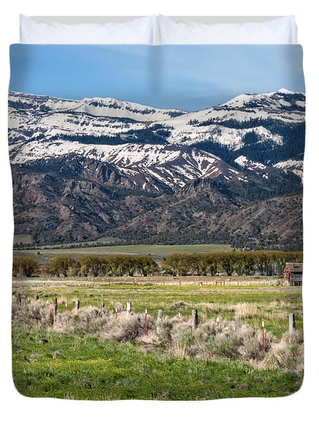 Ranching In Modoc Duvet Cover by Kathleen Bishop