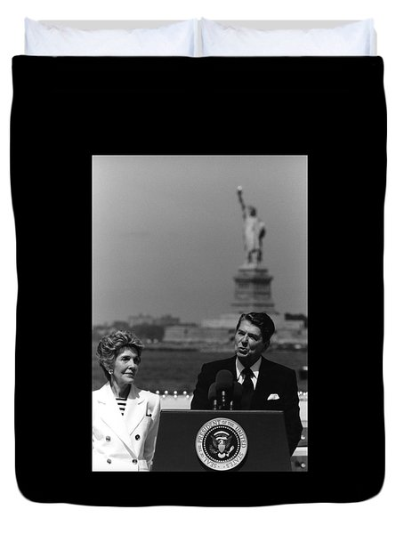 Reagan Speaking Before The Statue Of Liberty Duvet Cover by War Is Hell Store