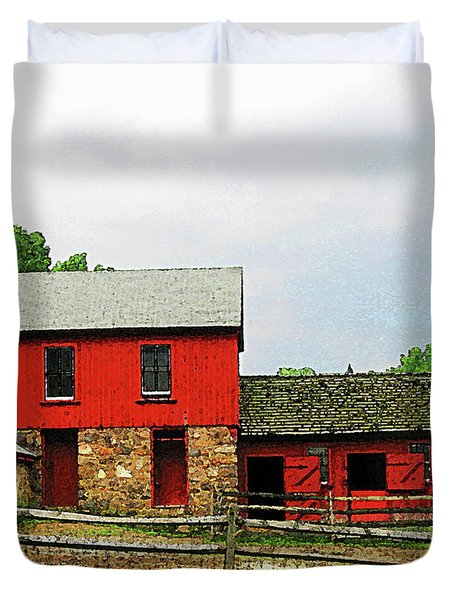 Red Barn With Fence Duvet Cover by Susan Savad