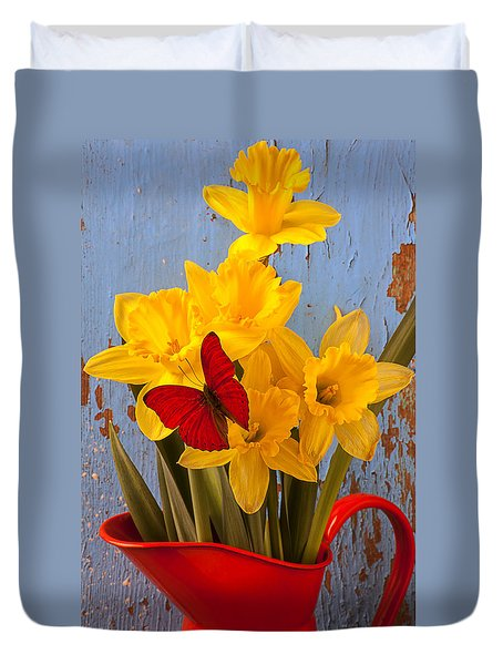 Red Butterfly On Daffodils Duvet Cover by Garry Gay