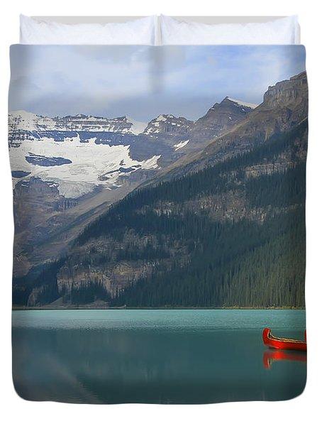Red Canoes On Lake Louise Duvet Cover by Teresa Zieba
