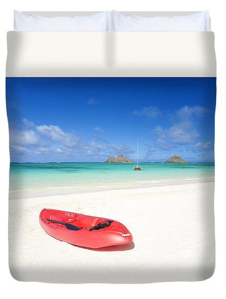 Red Kayak At Lanikai Duvet Cover by M Swiet Productions