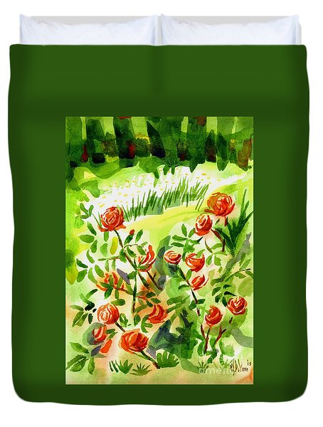 Red Roses With Daisies In The Garden Duvet Cover by Kip DeVore