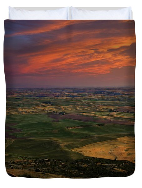 Red Sky Over The Palouse Duvet Cover by Mike  Dawson