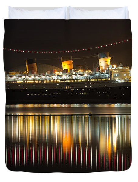 Reflections Of Queen Mary Duvet Cover by Heidi Smith