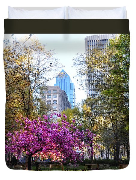 Rittenhouse Square In Springtime Duvet Cover by Bill Cannon