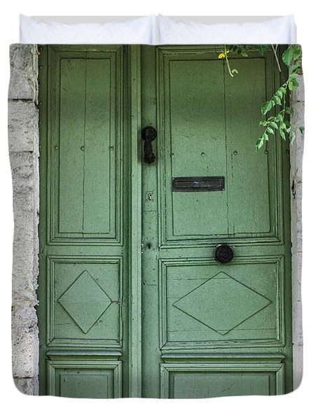 Rustic green door with vines Duvet Cover by Georgia Fowler