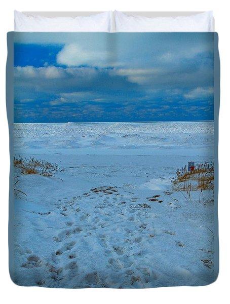 Saint Joseph Michigan Beach In Winter Duvet Cover by Dan Sproul
