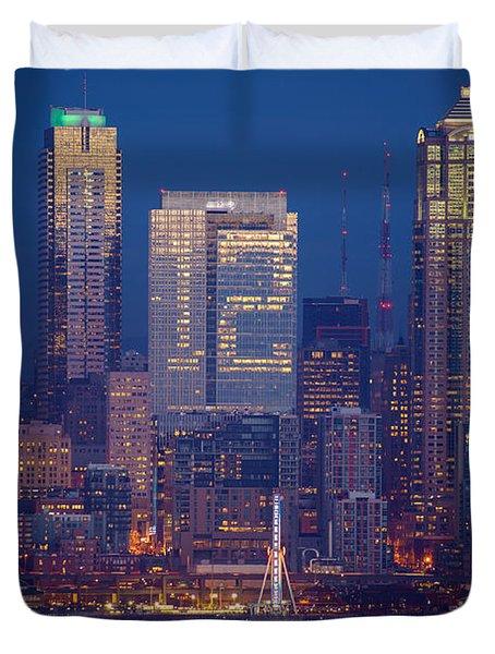 Seahawks 12th Man Seattle Skyline At Dusk Duvet Cover by Mike Reid