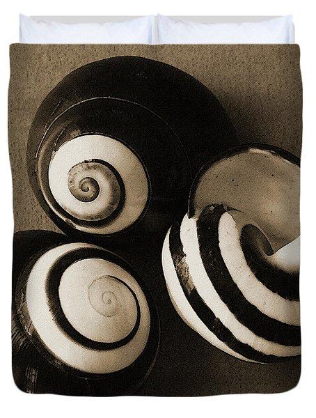 Seashells Spectacular No 27 Duvet Cover by Ben and Raisa Gertsberg