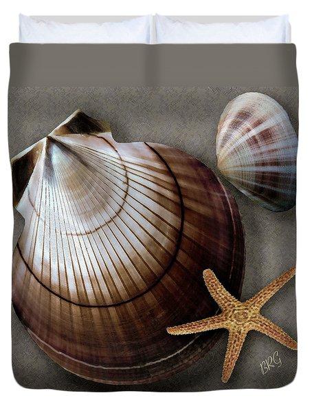 Seashells Spectacular No 38 Duvet Cover by Ben and Raisa Gertsberg