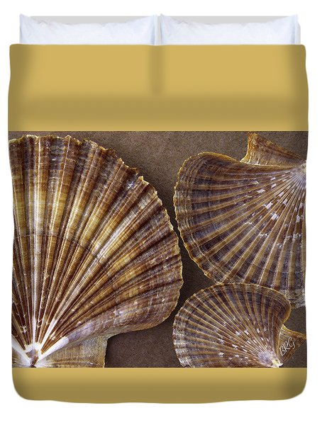 Seashells Spectacular No 7 Duvet Cover by Ben and Raisa Gertsberg