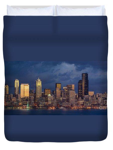 Seattle Skyline Sunset Detail Duvet Cover by Mike Reid