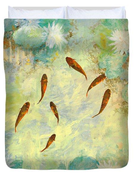 sei pesciolini verdi Duvet Cover by Guido Borelli
