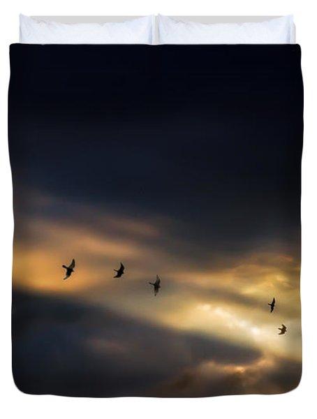 Seven Bird Vision Duvet Cover by Bob Orsillo