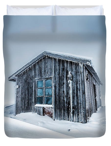 Shed In The Blizzard Duvet Cover by Evgeni Dinev