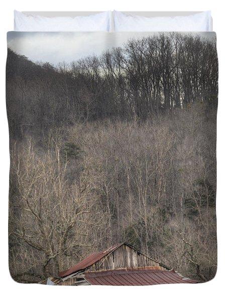 Smoky Mountain Barn 1 Duvet Cover by Douglas Barnett