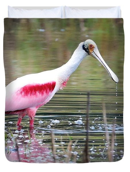 Spoonbill In The Pond Duvet Cover by Carol Groenen