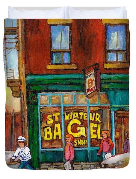 St. Viateur Bagel-boys Playing Street Hockey In Laneway-montreal Street Scene Painting Duvet Cover by Carole Spandau