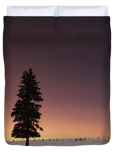 Stars In The Night Sky With Lone Tree Duvet Cover by Susan Dykstra