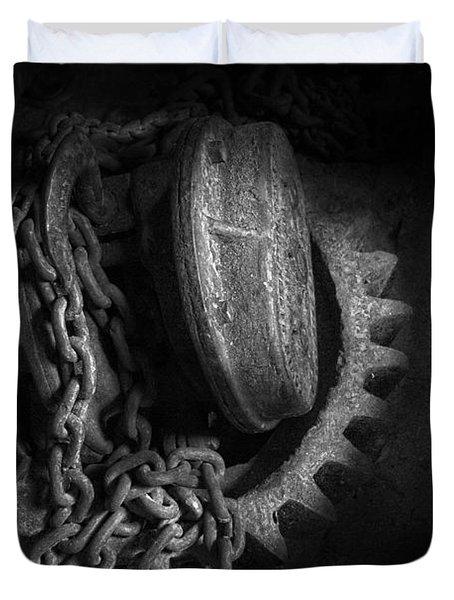 Steampunk - Gear - Hoist And Chain Duvet Cover by Mike Savad