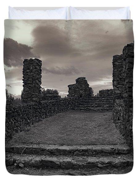 STONE RUINS at OLD LIBERTY PARK - SPOKANE WASHINGTON Duvet Cover by Daniel Hagerman