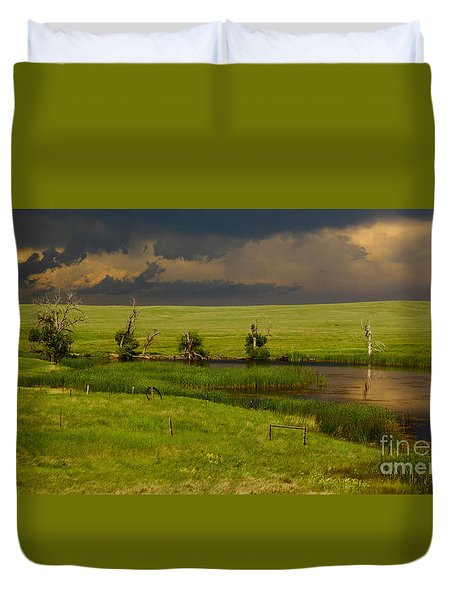 Storm Crossing Prairie 1 Duvet Cover by Robert Frederick