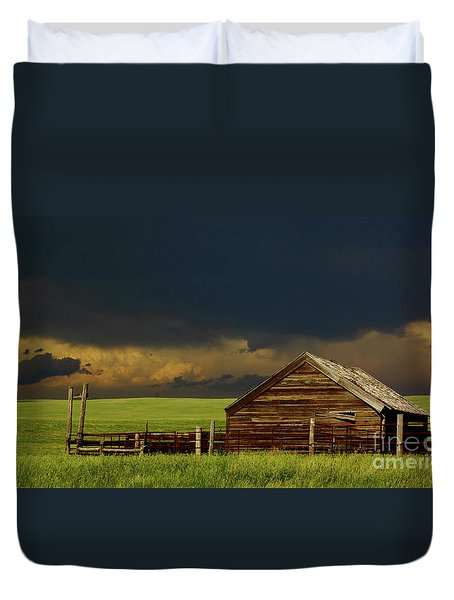 Storm Crossing Prairie 2 Duvet Cover by Robert Frederick