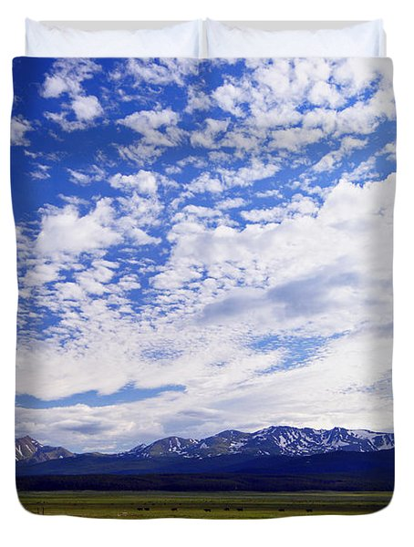 Streaming Sky Duvet Cover by Jeremy Rhoades